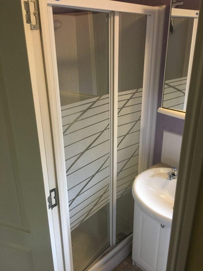 Shower door replacement Exeter - Call DSB today - 01626 444494